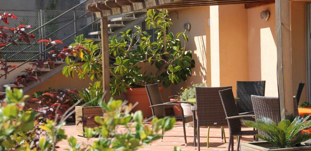 Residencia en Barcelona con jardines
